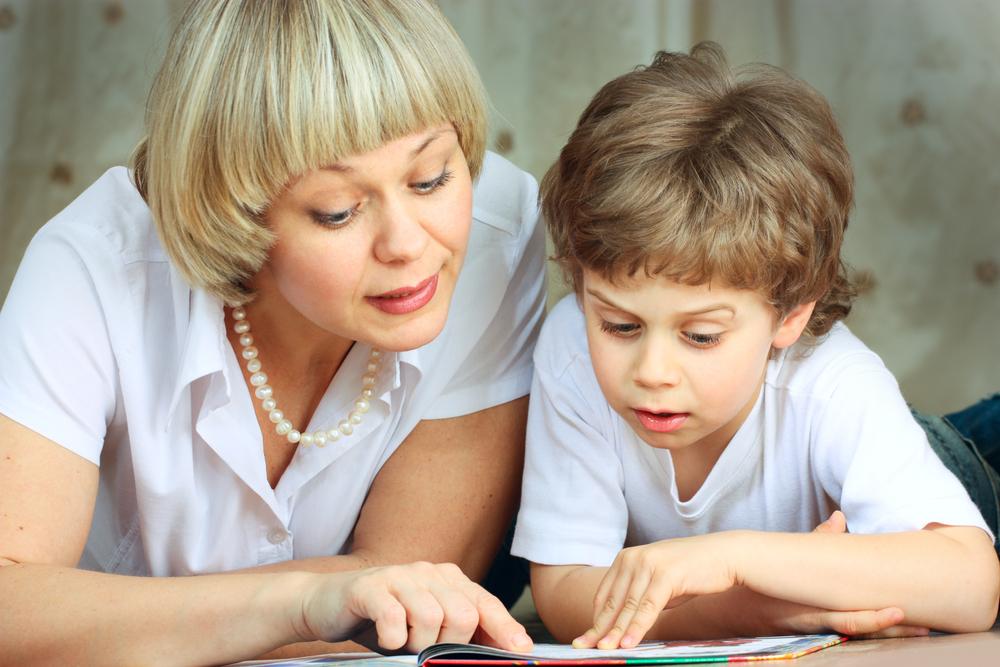 Как не ошибиться в поиске няни для ребенка
