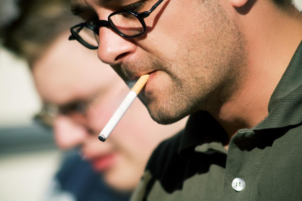 Картинки мужчин курящие